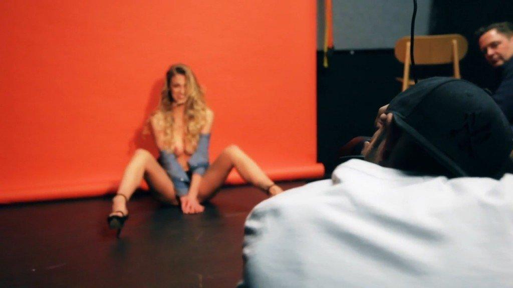 Jo From Kent Topless (25 Photos)