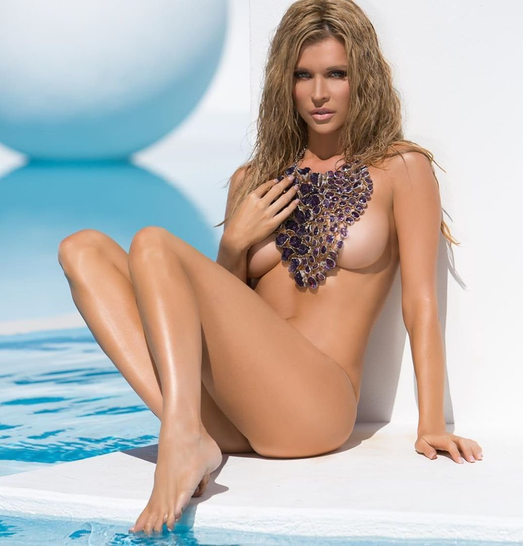 Congratulate, this Joanna krupa naked to her pussy that necessary