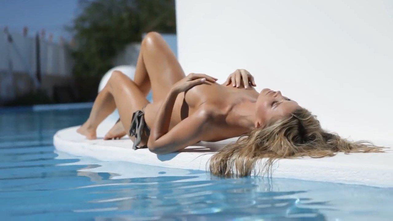 Joanna krupa naked scene