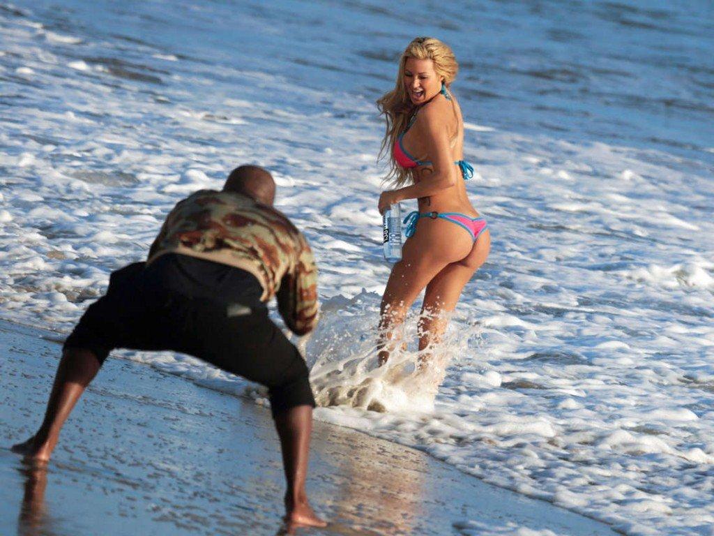 Kindly Myers in a Bikini (21 Photos)