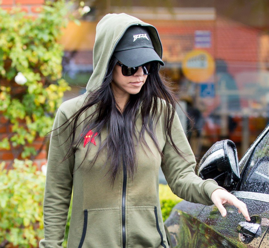 kourtney kardashian pokies 10 photos thefappening