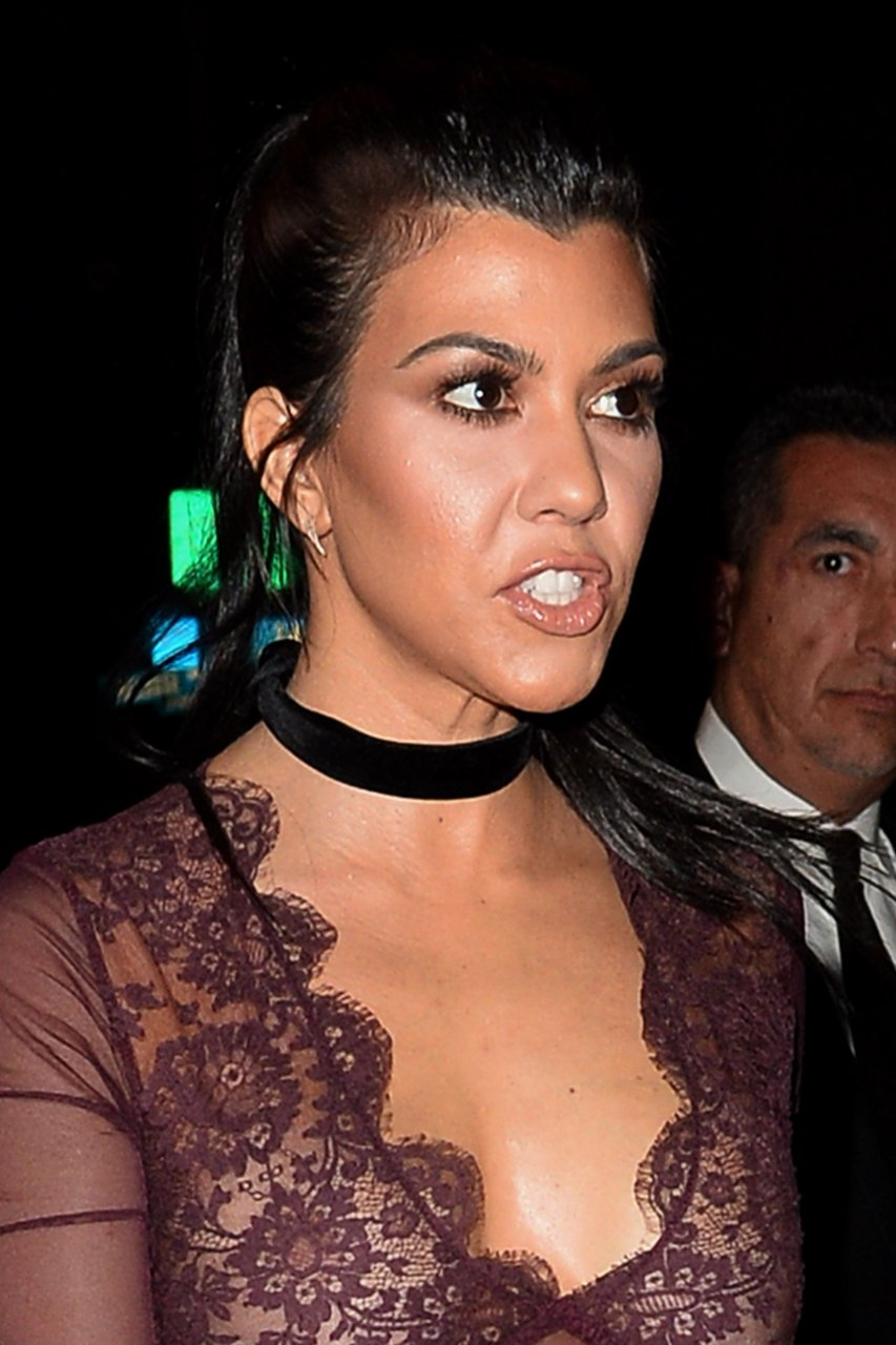 Kourtney Kardashian And Kylie Makeup: Kourtney Kardashian See Through (13 Photos)