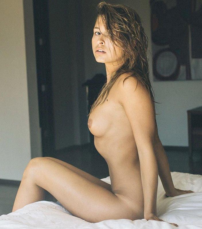 Marisa Papen Nude (5 Photos)