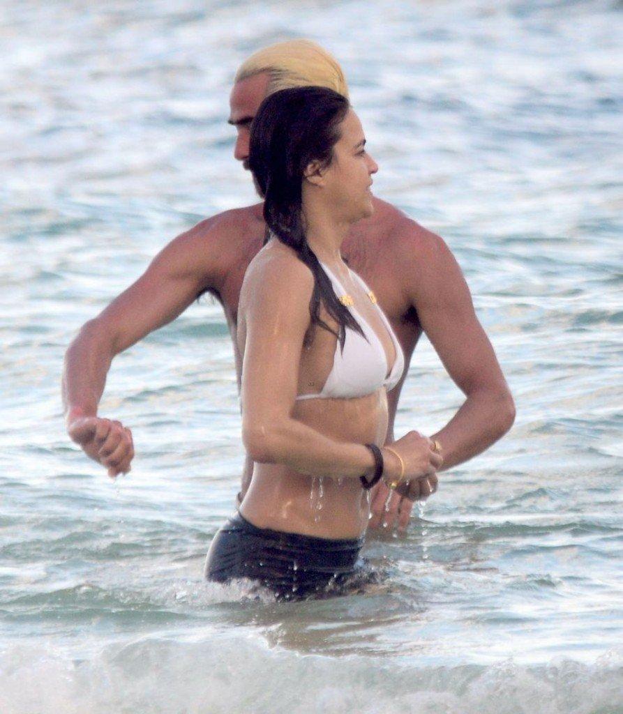 Michelle Rodriguez Sexy (21 Photos)