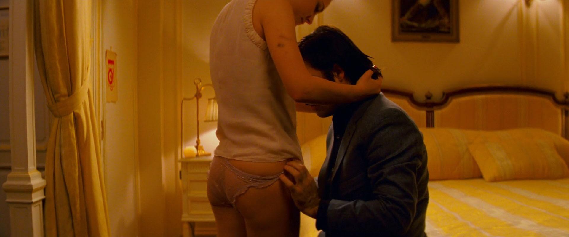 hotel chevalier nude scene