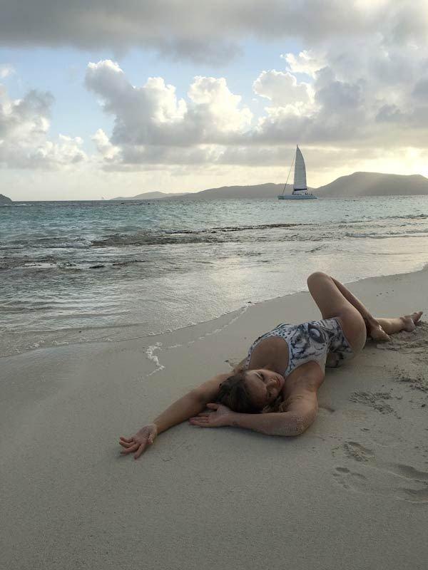 Ronda Rousey Bodypaint (22 Photos)