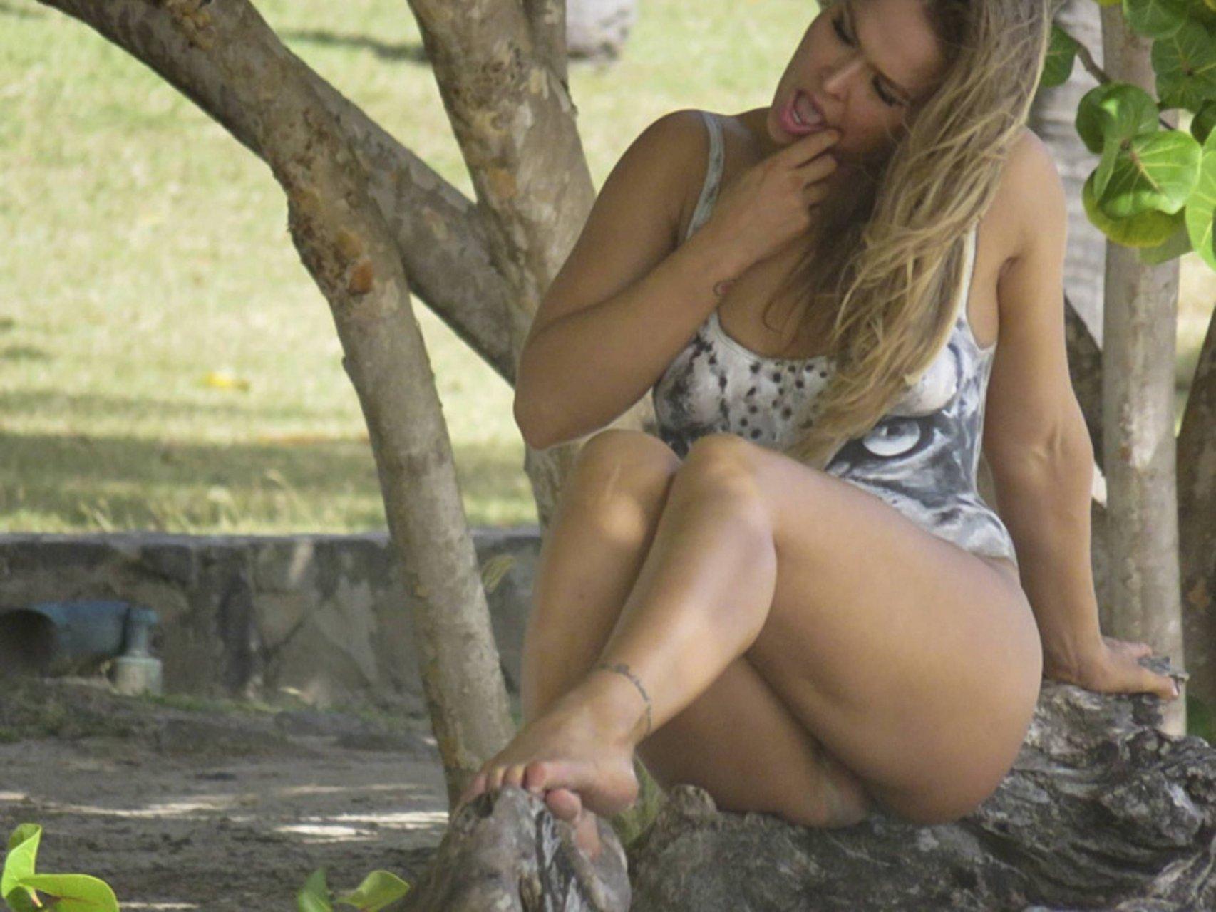 rhonda nude
