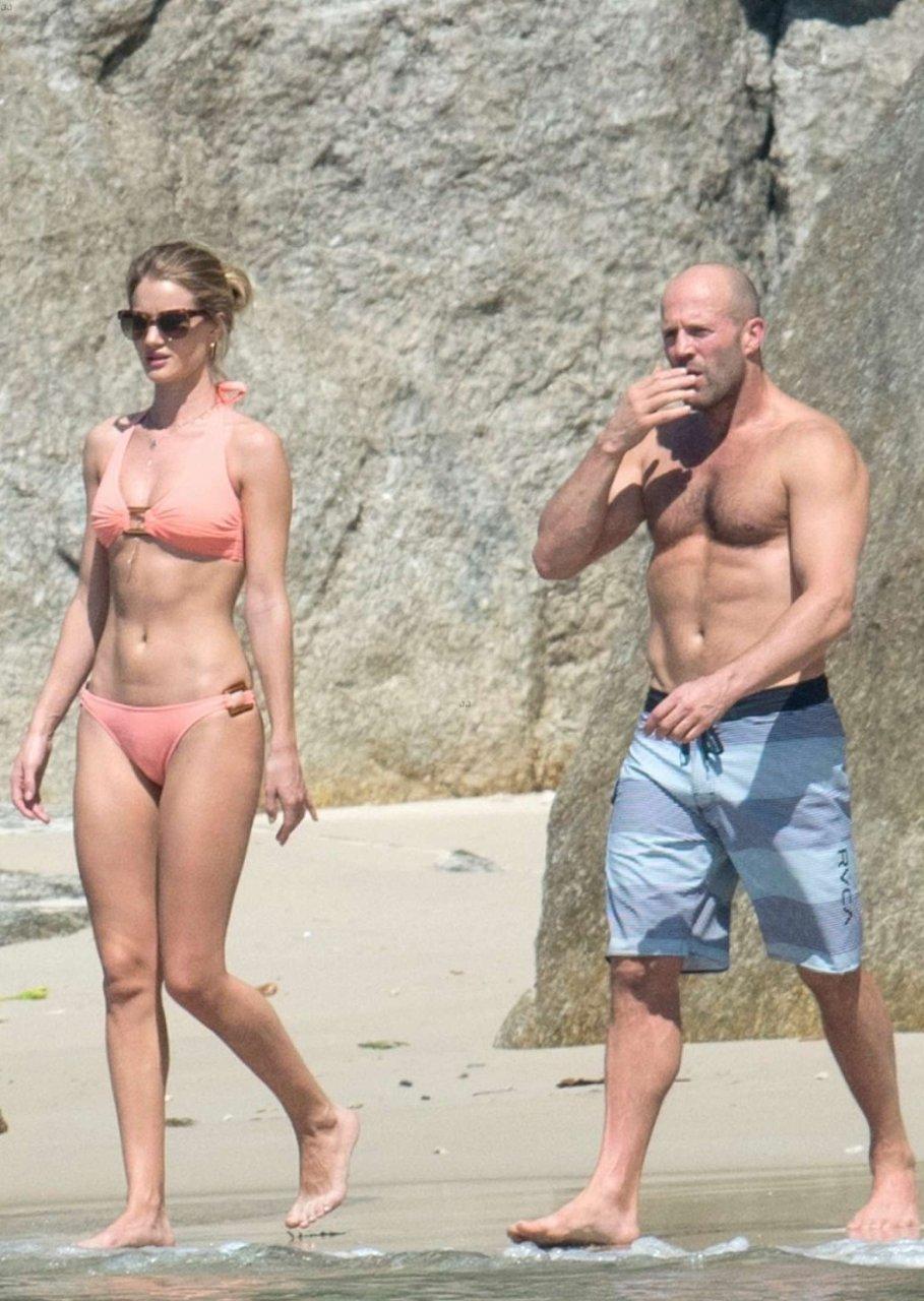 Rosie Huntington Whiteley Hot Bikini