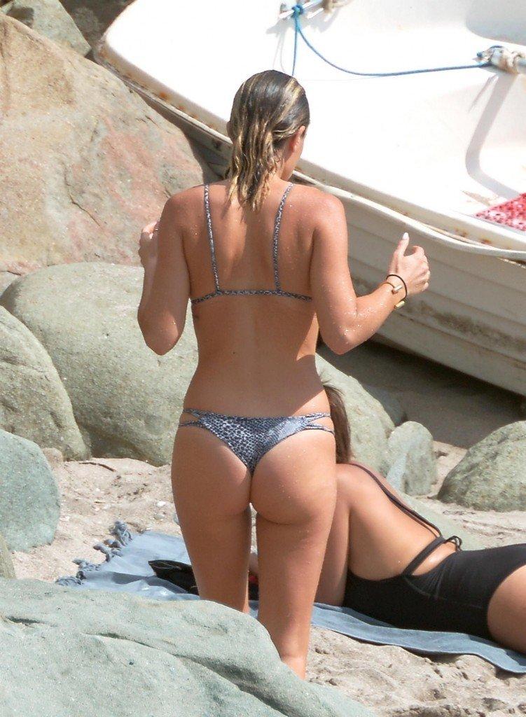 Bikini nude photo