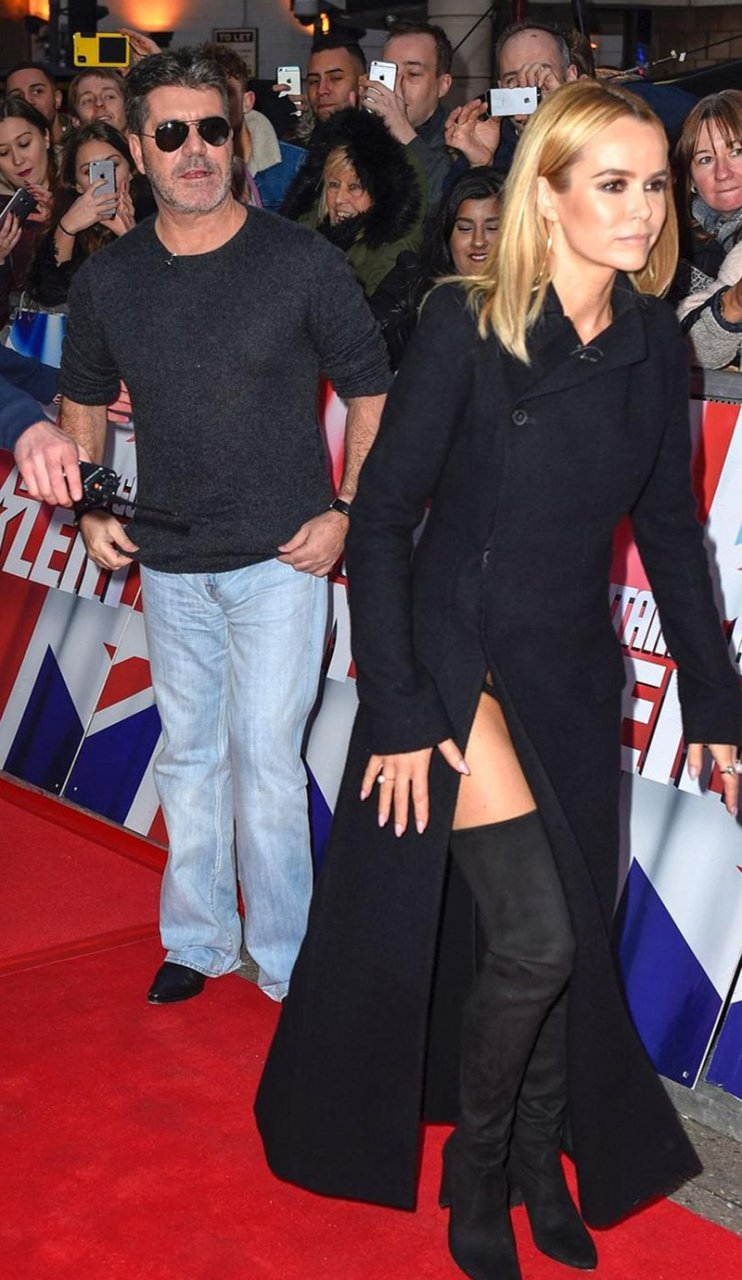 Upskirt photos of Amanda Holden -