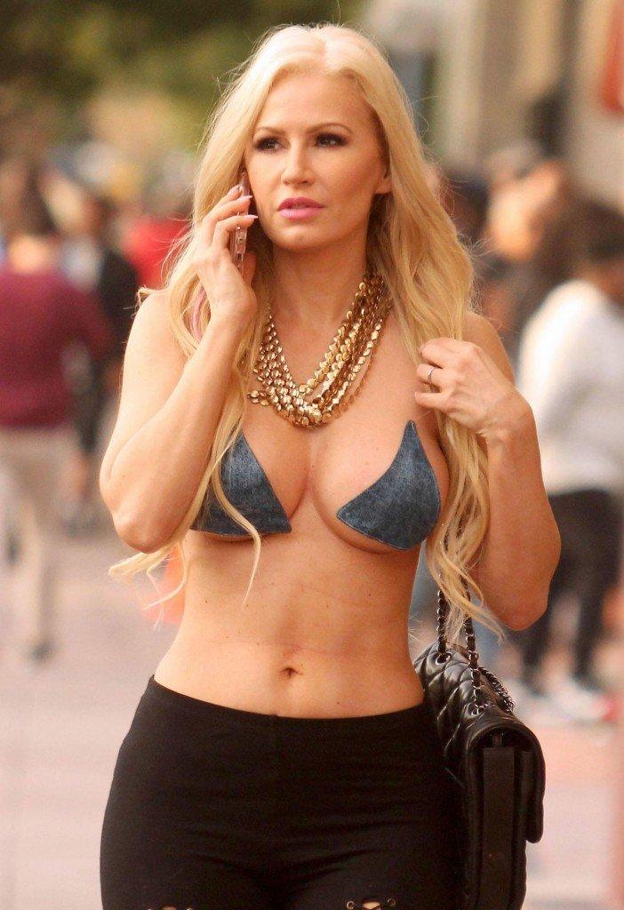 Ana Braga Topless Nude Photos 51