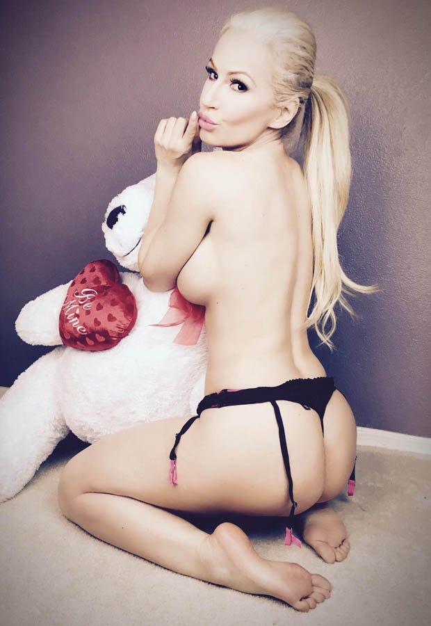 Ana Braga Sexy & Topless (6 Photos)