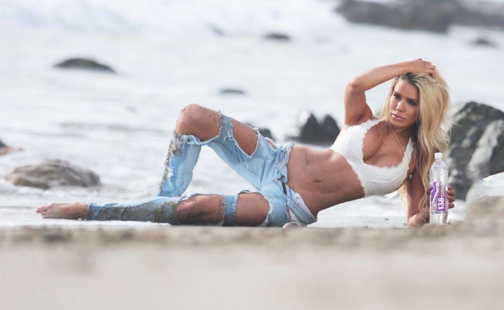 Chantel Zales Sexy (28 Photos)