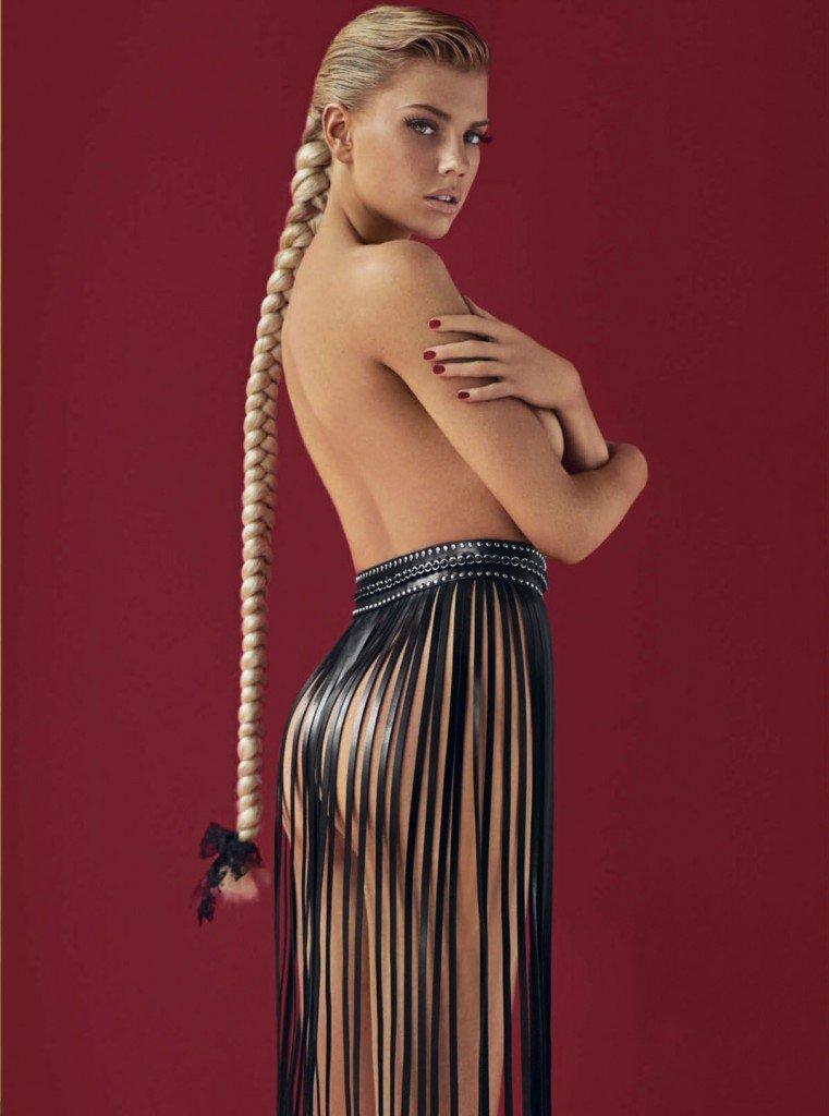 Charlotte-McKinney-Nude-10