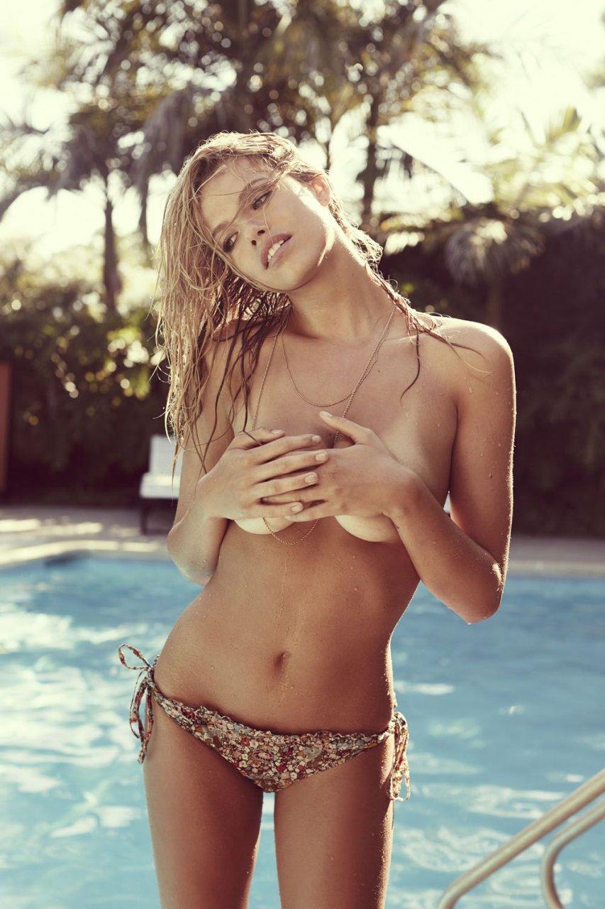 hailey clauson nude