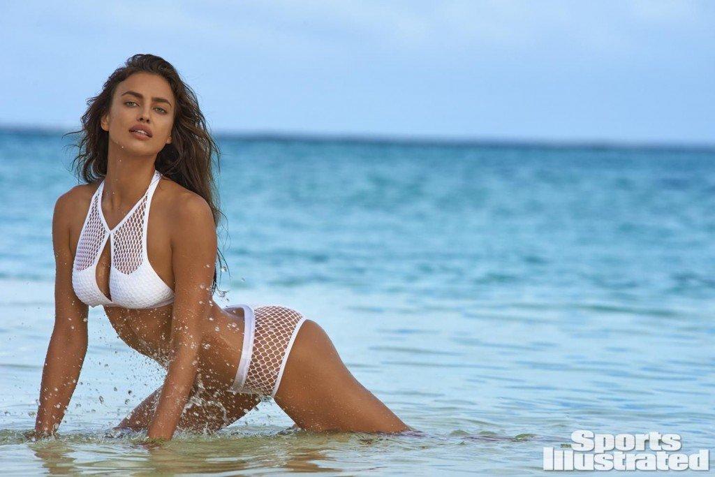 Irina-Shayk-Sexy-Topless-10