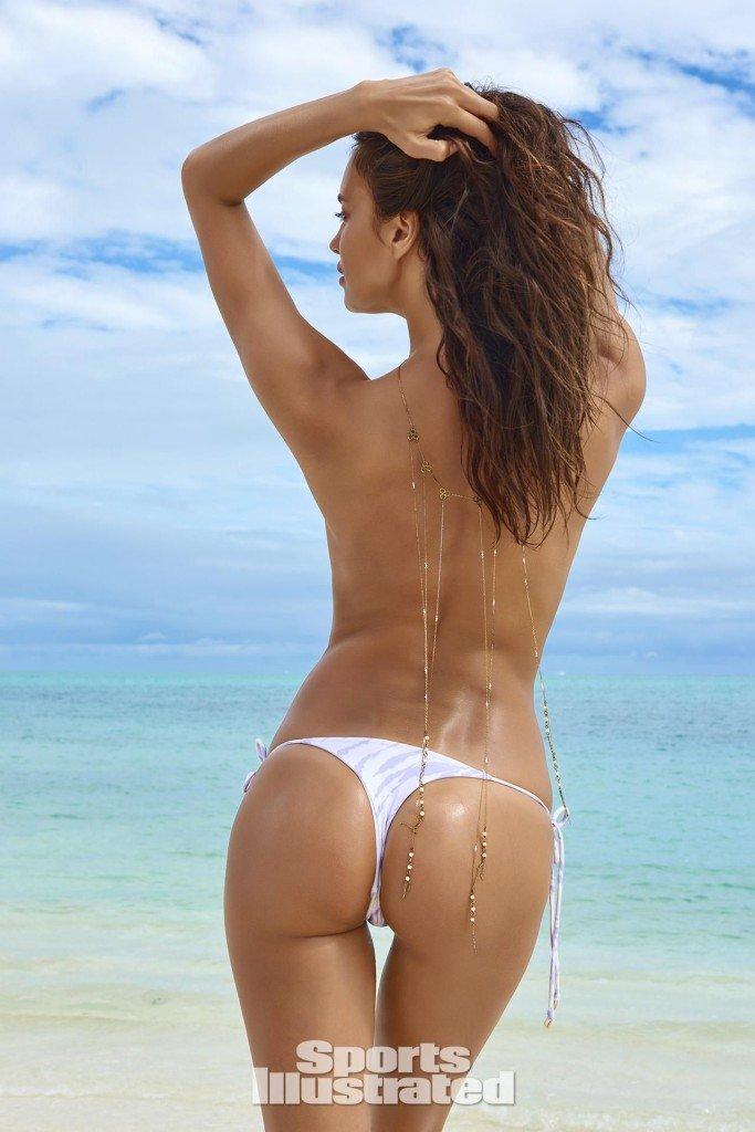 Irina-Shayk-Sexy-Topless-15