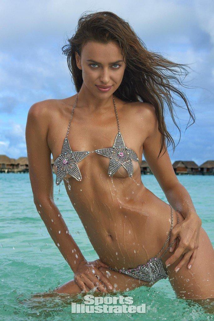 Irina-Shayk-Sexy-Topless-42