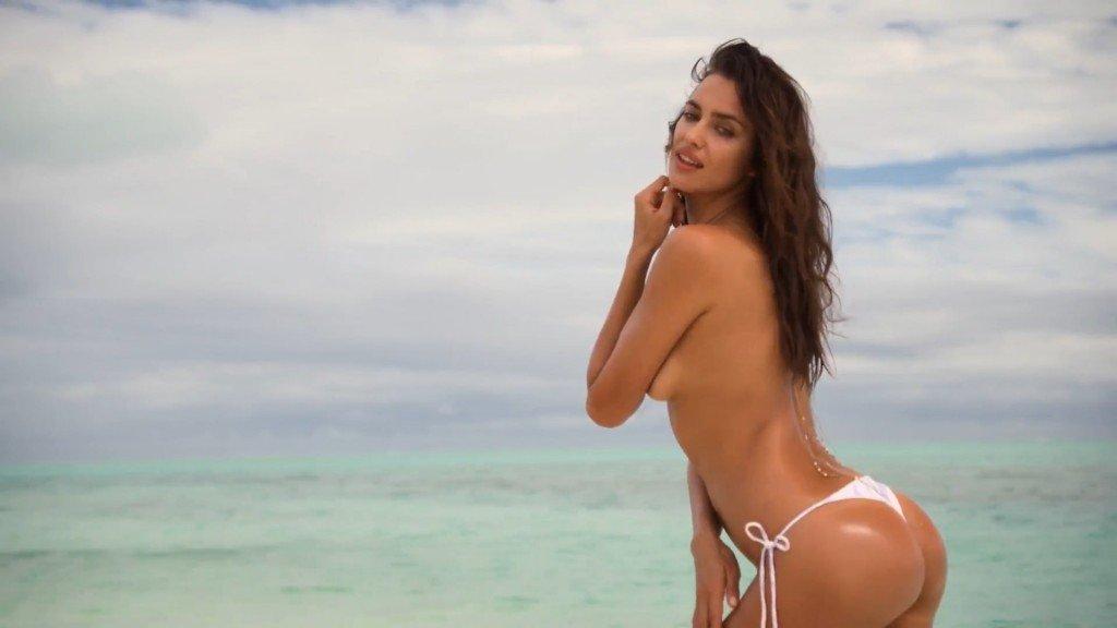 Irina-Shayk-Sexy-Topless-Uncovered-13