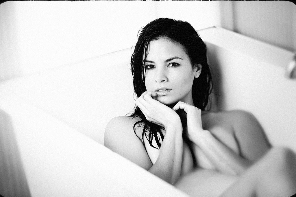 Katrina Law Nude (6 Photos)