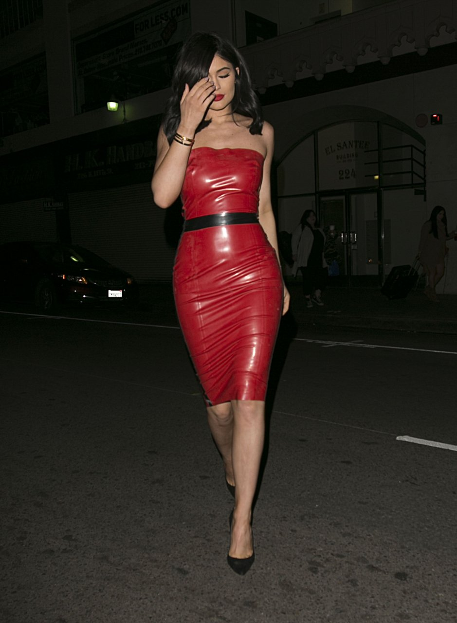 02 reflective red latex 7