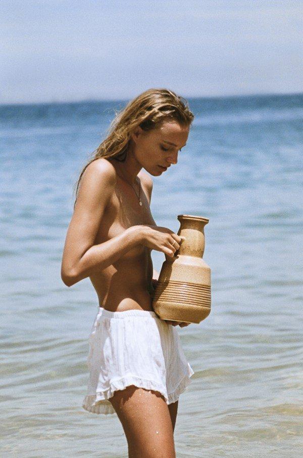 Maya Stepper Sexy & Topless (14 Photos)