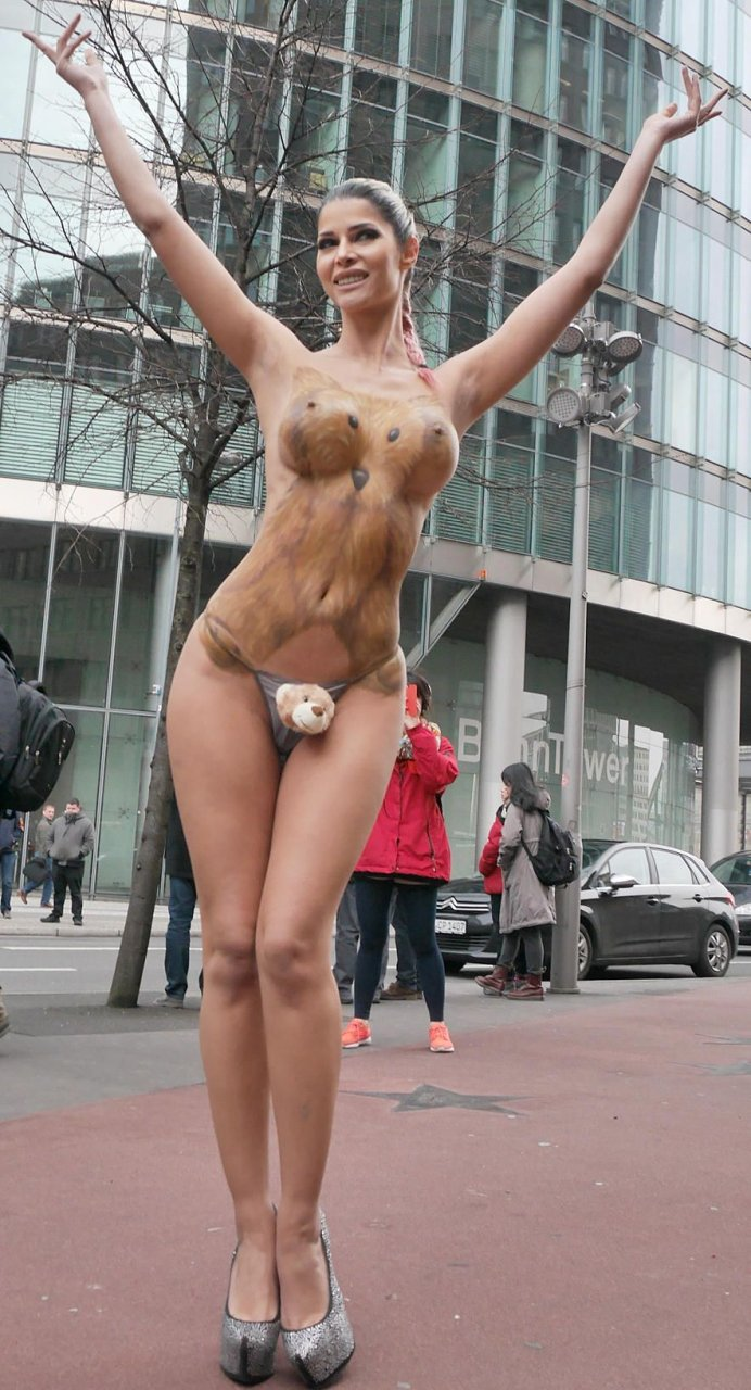 erotisches berlin body painting sex