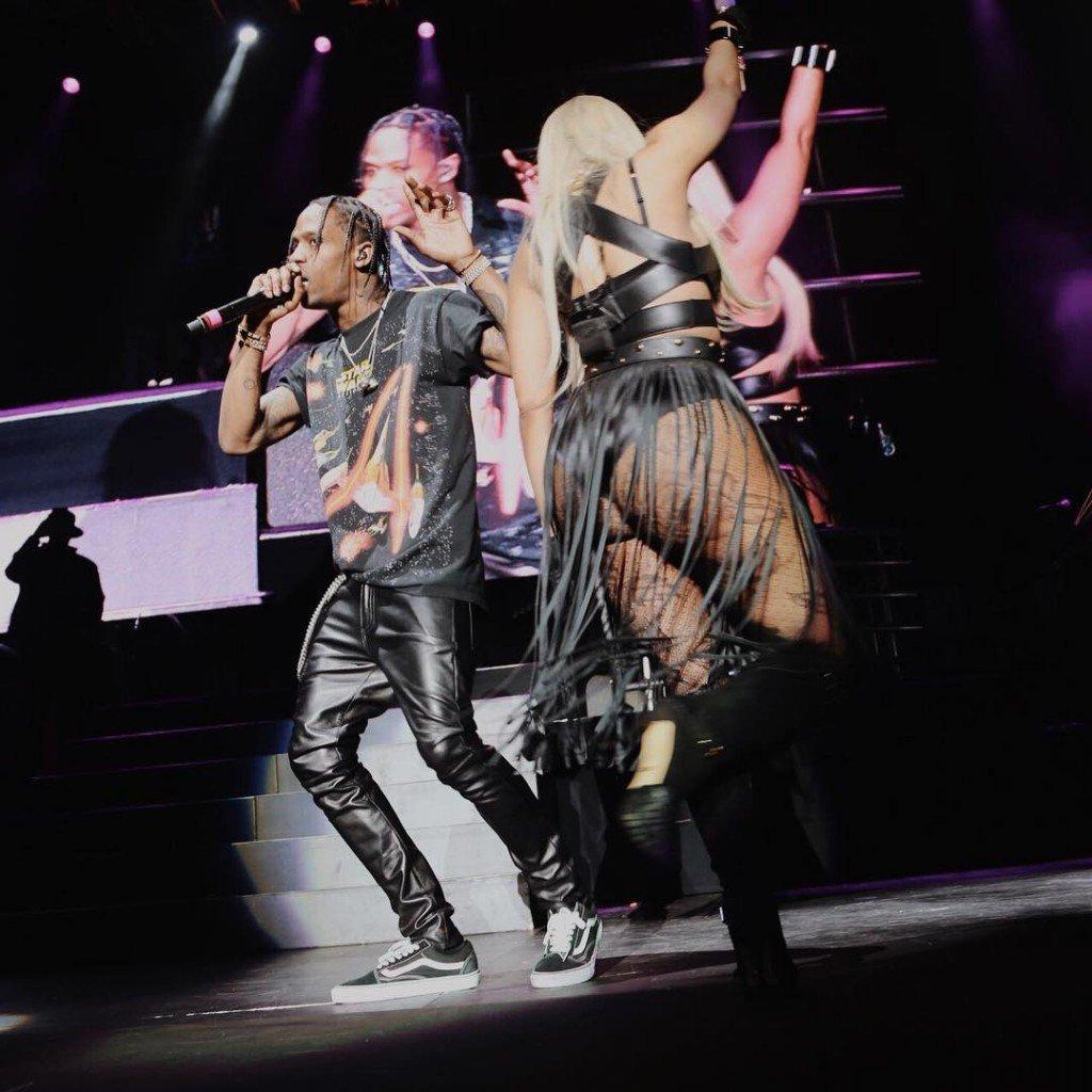 Nicki Minaj Sexy (5 New Photos)