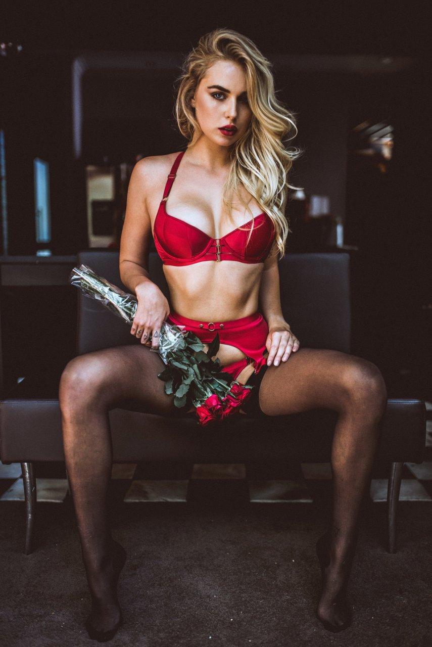 Alison Tyler adult porn model