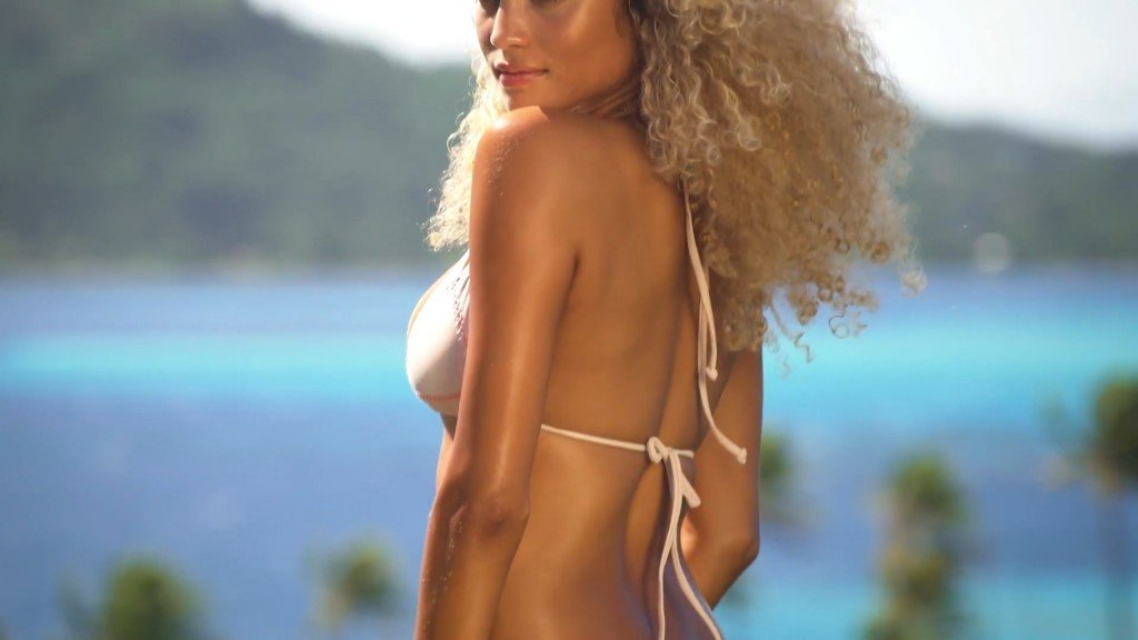 Rose-Bertram-Sexy-Uncovered-22