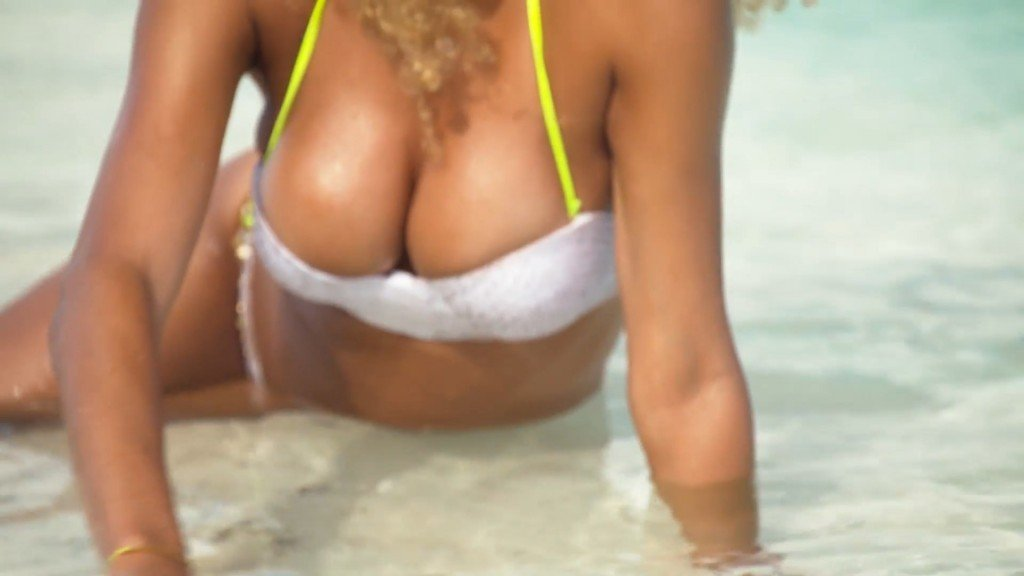 Rose-Bertram-Sexy-Uncovered-3