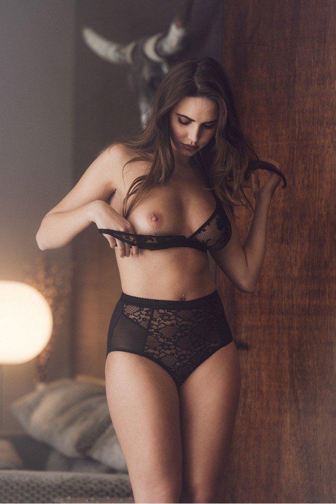Nina agdal vs hannah ferguson love orgasm with you - 4 1
