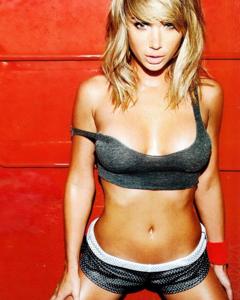 Sara-Underwood-Sexy-1