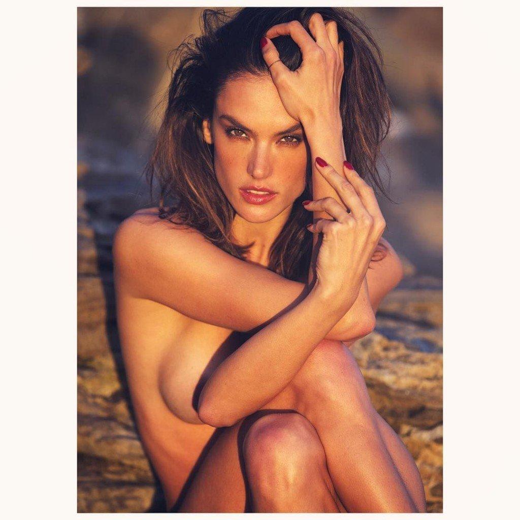 Alessandra Ambrosio Nude & Sexy (13 Photos)