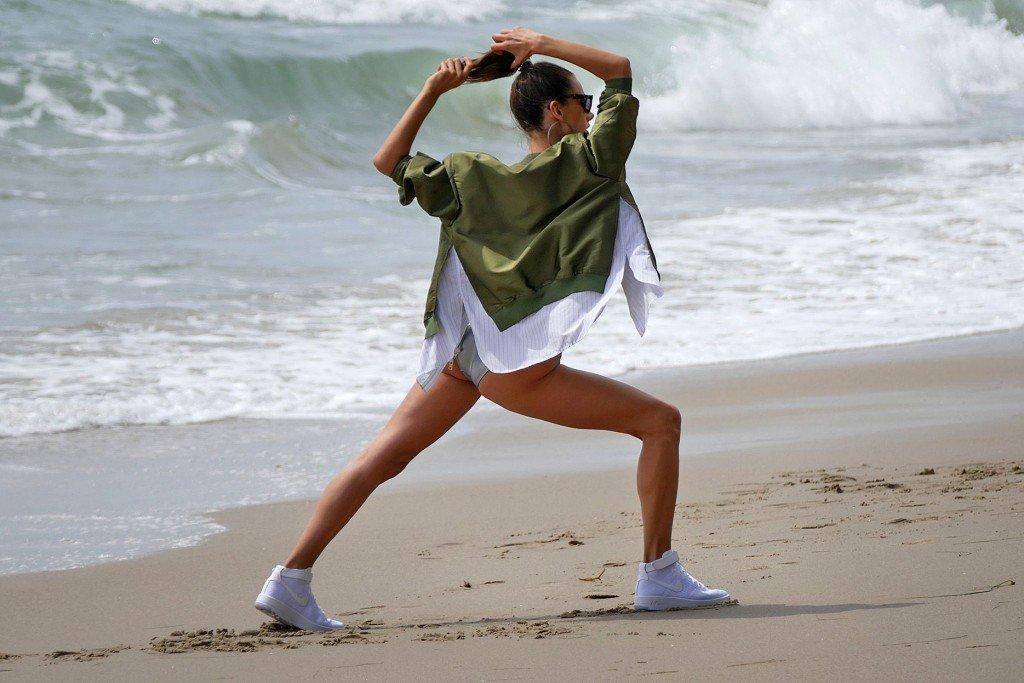 Alessandra Ambrosio Nude & Sexy 7