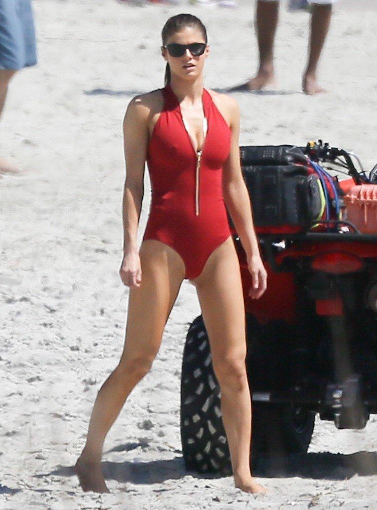 Alexandra Daddario Sexy 27