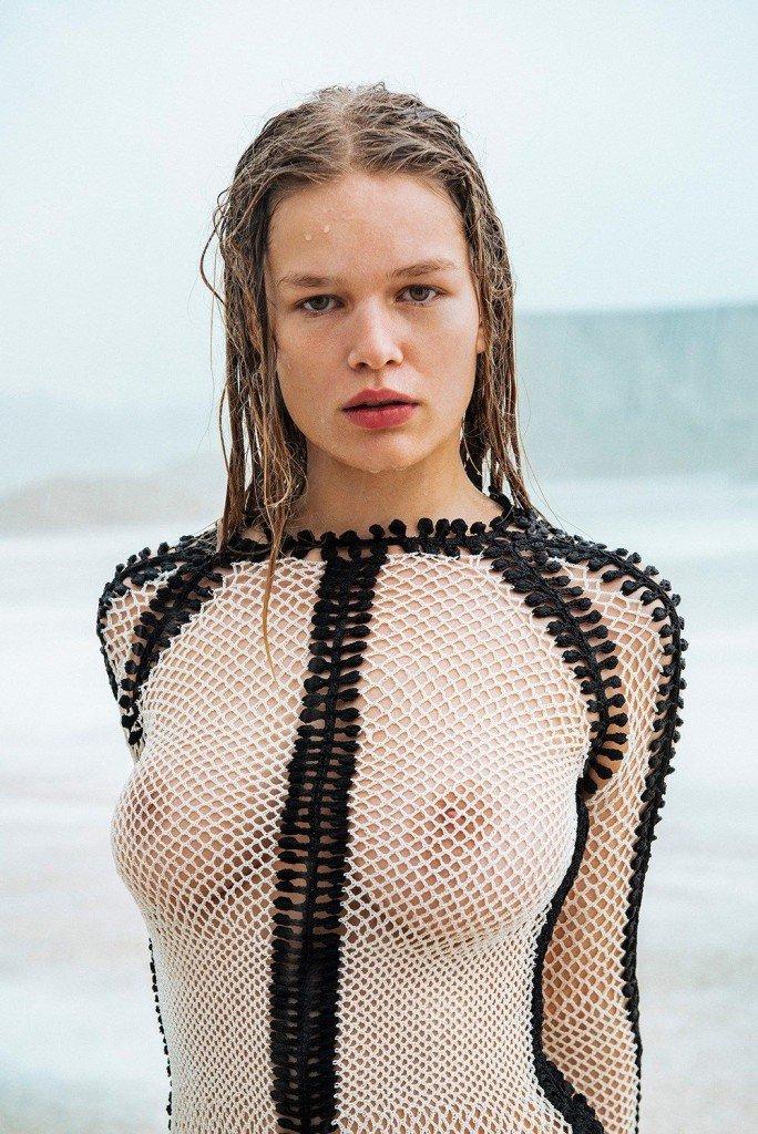Anna Ewers Sexy & Topless (20 Photos)