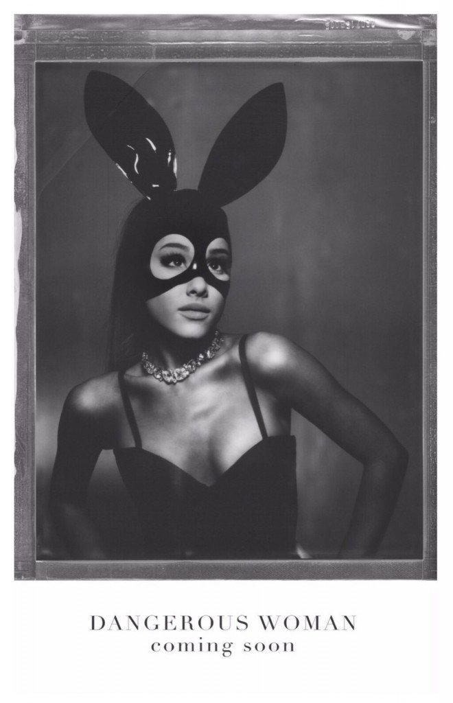 Ariana Grande Sexy-1