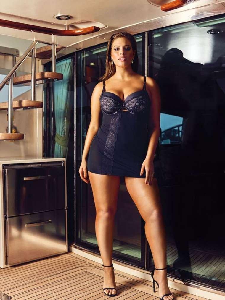 Ashley Graham Sexy (5 Photos)