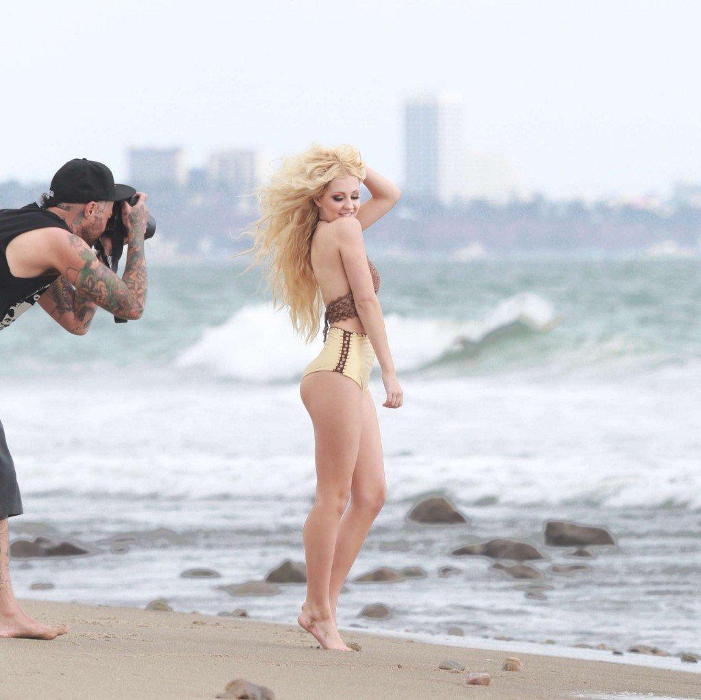 Ava Sambora Sexy (65 Photos)