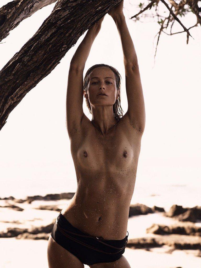 Carolyn Murphy Topless & Sexy18