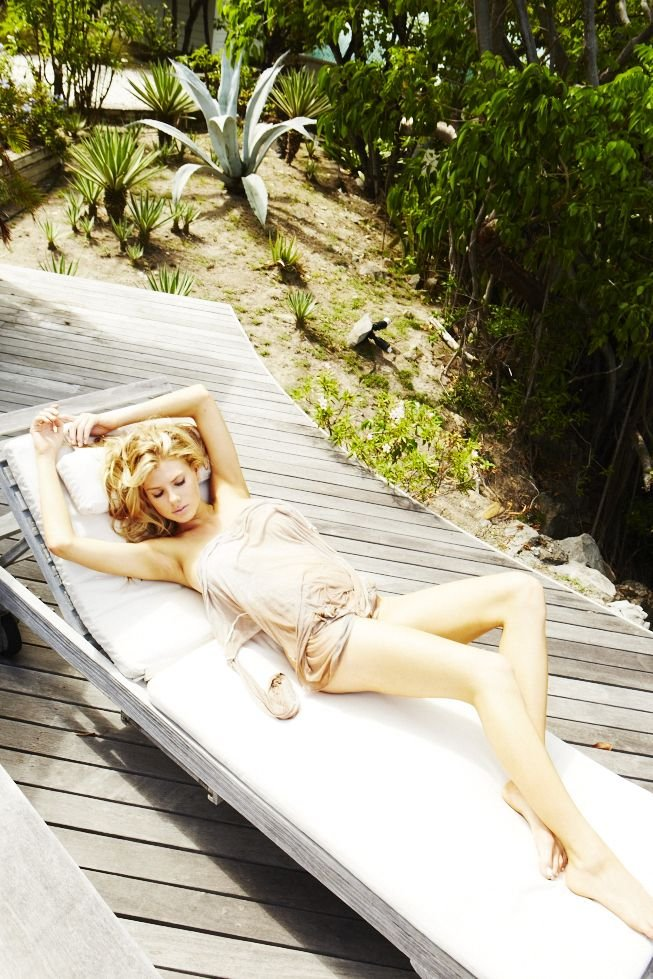 Charlotte McKinney Sexy & Topless 5