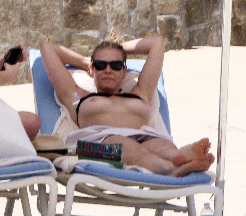 Chelsea Handler Topless 1