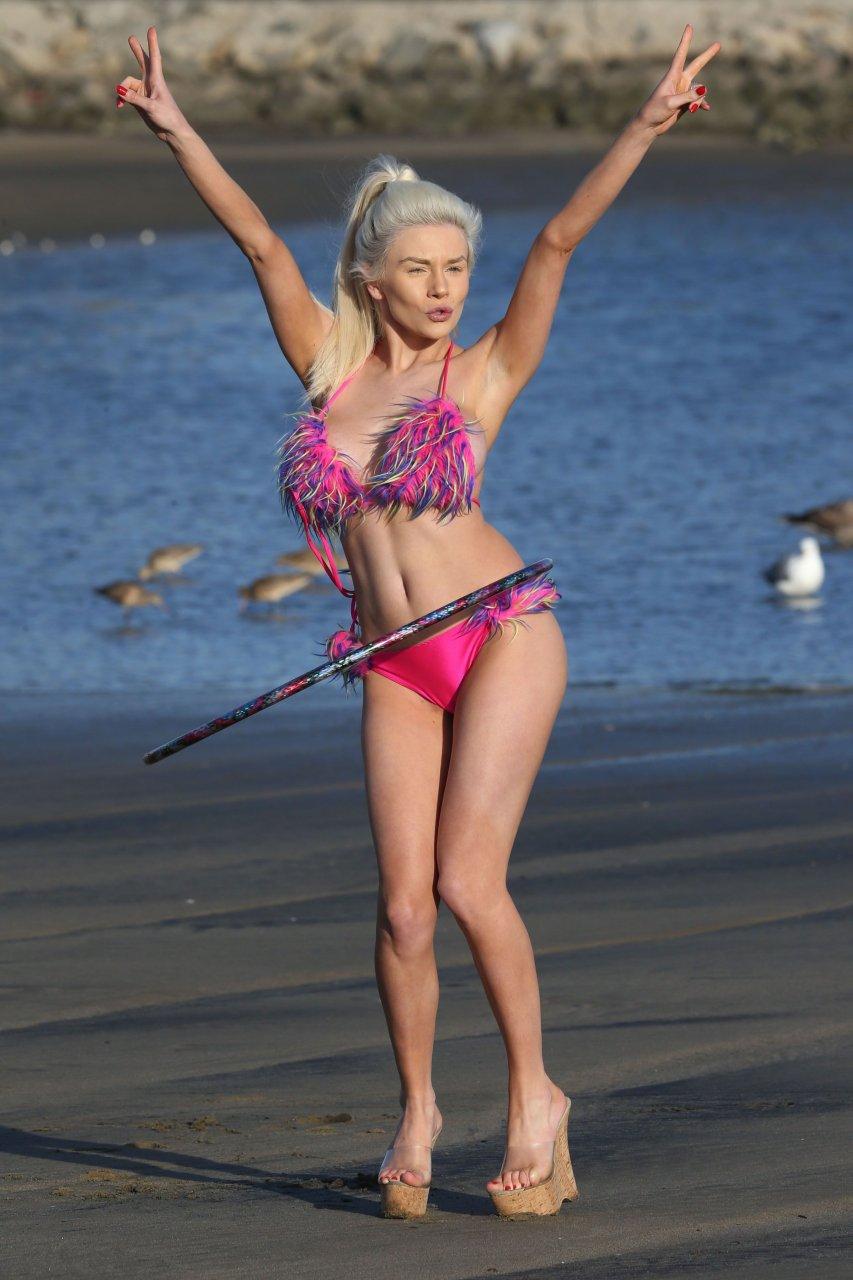 courtney stodden bikini pink hoop hula beach think angeles los seen ve fappening leaked gotceleb burton latest american