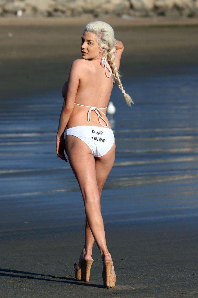 Courtney Stodden in a Bikini 12