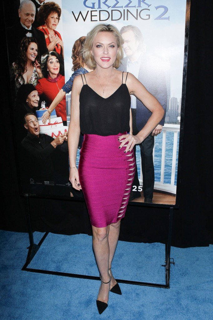 Elaine Hendrix See Through 1