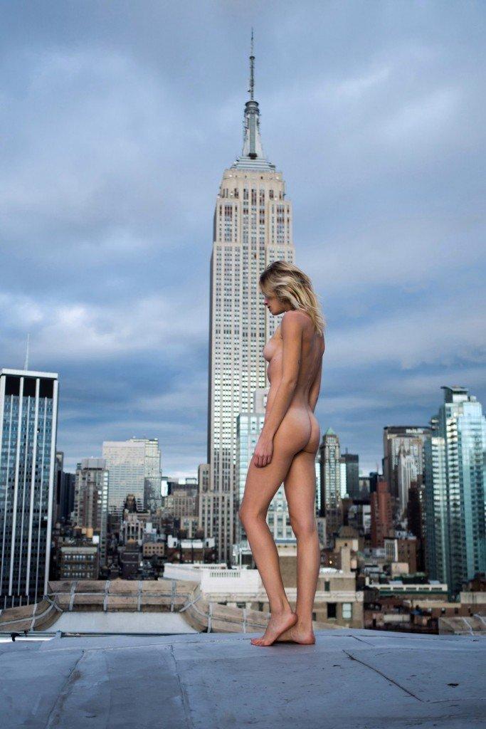 Eva Biechy Naked (5 Photos)