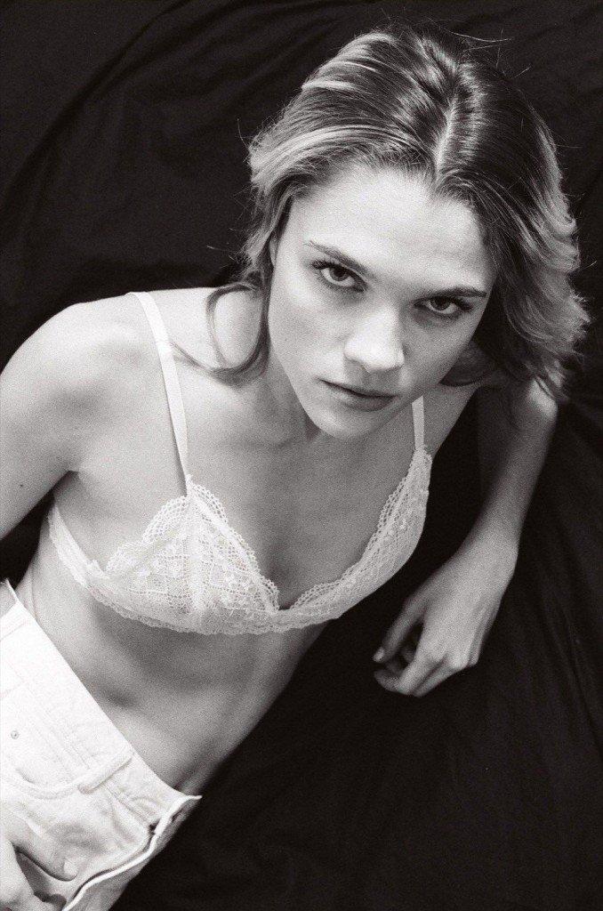 Eva Biechy Sexy & Topless (20 Photos)