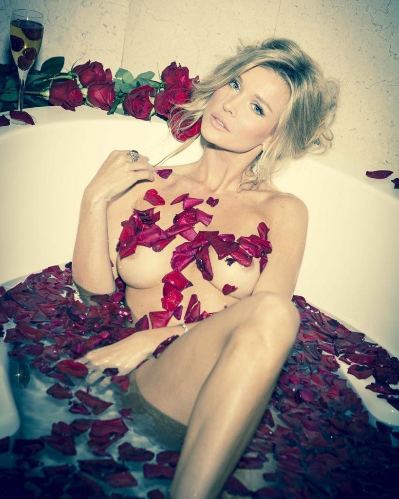 Joanna Krupa Nude (1 Photo)