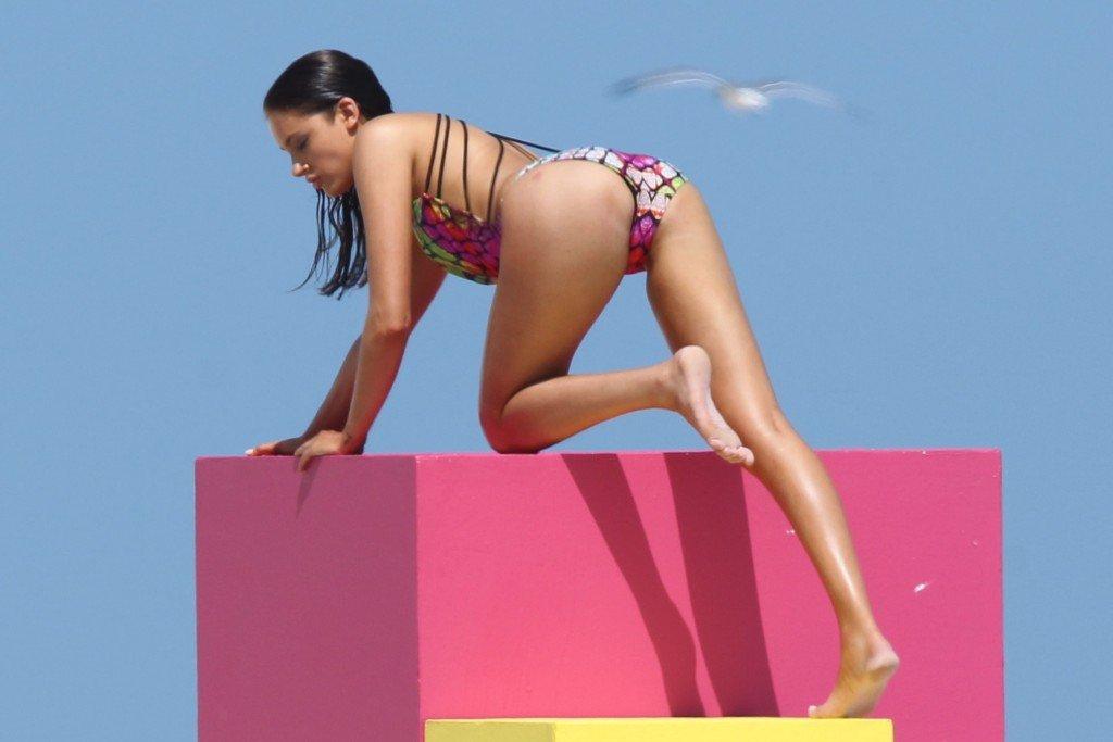 Karina Jelinek Sexy & Topless (28 Photos)